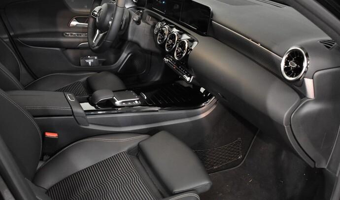 Kuva 10/11, Mercedes-Benz A 180 A Business Progressive, Monikäyttö, Automaatti, Bensiini, COO-900