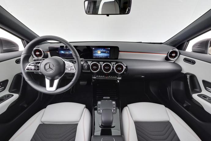 Kuva 12/20, Mercedes-Benz A 180 A Business Style + Lisälämmitin, Monikäyttö, Automaatti, Bensiini, JF-4500