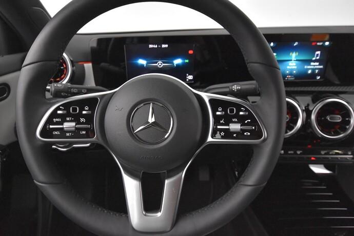 Kuva 17/20, Mercedes-Benz A 180 A Business Style + Lisälämmitin, Monikäyttö, Automaatti, Bensiini, JF-4500