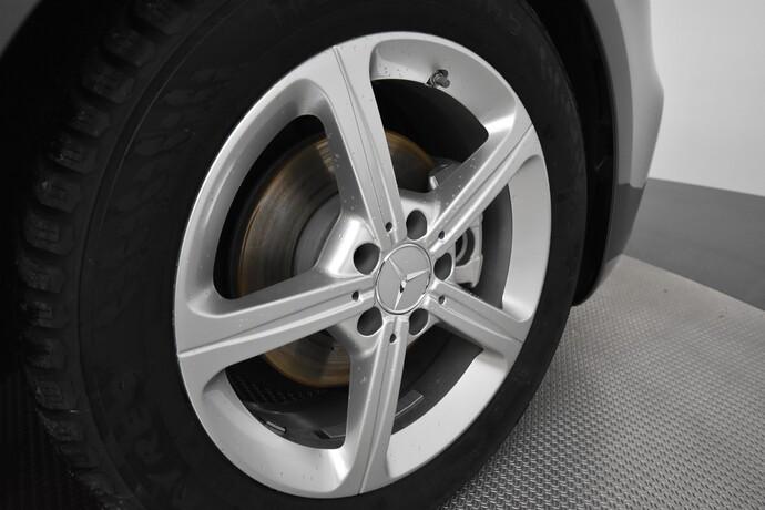Kuva 20/20, Mercedes-Benz A 180 A Business Style + Lisälämmitin, Monikäyttö, Automaatti, Bensiini, JF-4500