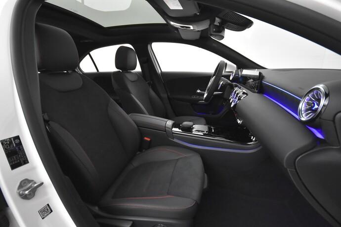 Kuva 11/26, Mercedes-Benz A 250 e A sedan Bsn AMG Edition EQ Power + Panorama, Isot Diginäytöt, Sedan, Automaatti, Bensiini, Plug-in-hybridi, JMB-767