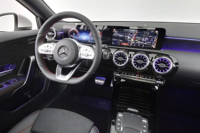 Kuva 13/26, Mercedes-Benz A 250 e A sedan Bsn AMG Edition EQ Power + Panorama, Isot Diginäytöt, Sedan, Automaatti, Bensiini, Plug-in-hybridi, JMB-767
