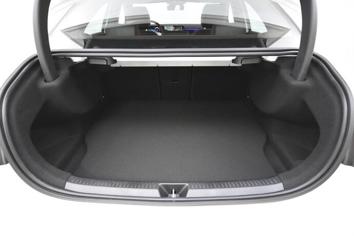 Kuva 23/26, Mercedes-Benz A 250 e A sedan Bsn AMG Edition EQ Power + Panorama, Isot Diginäytöt, Sedan, Automaatti, Bensiini, Plug-in-hybridi, JMB-767
