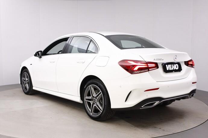 Kuva 4/26, Mercedes-Benz A 250 e A sedan Bsn AMG Edition EQ Power + Panorama, Isot Diginäytöt, Sedan, Automaatti, Bensiini, Plug-in-hybridi, JMB-767