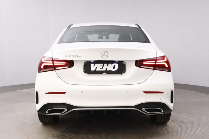 Kuva 5/26, Mercedes-Benz A 250 e A sedan Bsn AMG Edition EQ Power + Panorama, Isot Diginäytöt, Sedan, Automaatti, Bensiini, Plug-in-hybridi, JMB-767