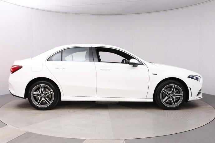 Kuva 7/26, Mercedes-Benz A 250 e A sedan Bsn AMG Edition EQ Power + Panorama, Isot Diginäytöt, Sedan, Automaatti, Bensiini, Plug-in-hybridi, JMB-767