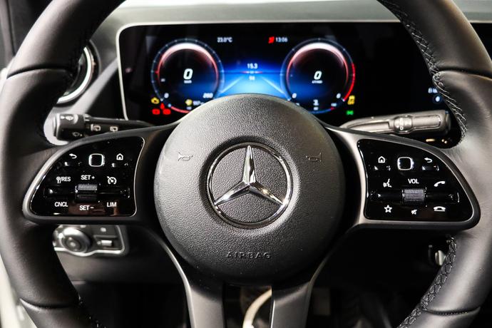 Kuva 18/21, Mercedes-Benz B 220 d A Business Style, Tila-auto, Automaatti, Diesel, IP-8702