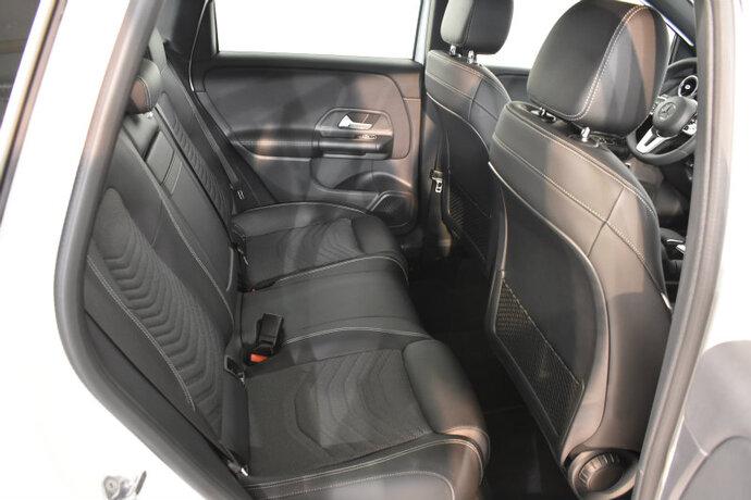 Kuva 11/16, Mercedes-Benz B 180 A Launch Edition Style, Tila-auto, Automaatti, Bensiini, CMA-910