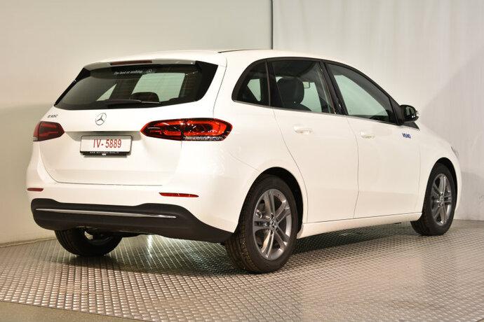 Kuva 2/16, Mercedes-Benz B 180 A Launch Edition Style, Tila-auto, Automaatti, Bensiini, CMA-910