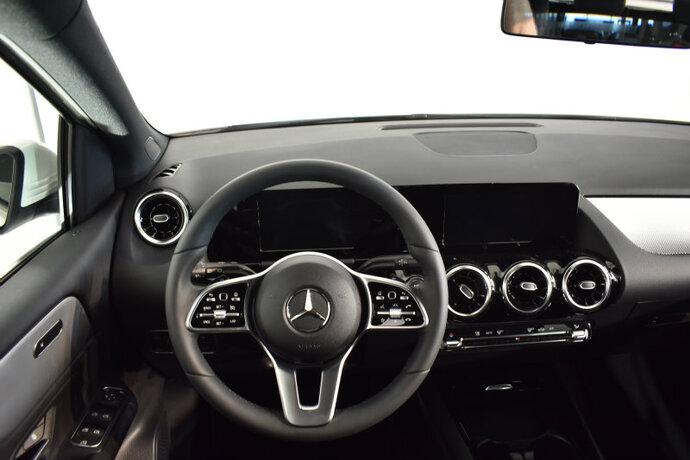 Kuva 8/16, Mercedes-Benz B 180 A Launch Edition Style, Tila-auto, Automaatti, Bensiini, CMA-910