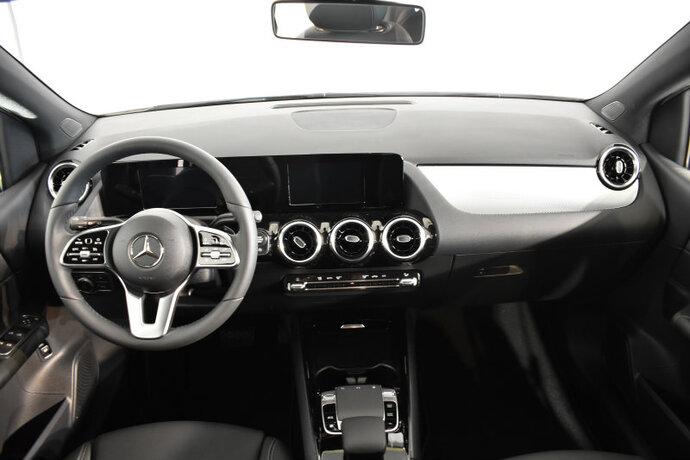 Kuva 9/16, Mercedes-Benz B 180 A Launch Edition Style, Tila-auto, Automaatti, Bensiini, CMA-910