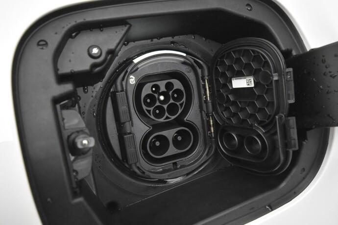Kuva 24/25, Mercedes-Benz CLA 250 e A Shooting Brake Business AMG EQ Power, Farmari, Automaatti, Bensiini, Plug-in-hybridi, CPJ-588