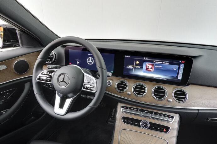 Kuva 11/16, Mercedes-Benz E 200 d A Edition One Nahkaverhoilu, Widescreen Cockpit, Sedan, Automaatti, Diesel, YKM-205