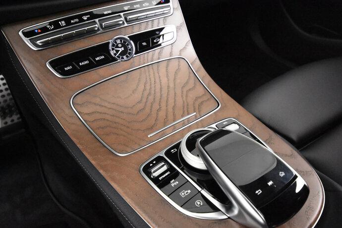 Kuva 14/16, Mercedes-Benz E 200 d A Edition One Nahkaverhoilu, Widescreen Cockpit, Sedan, Automaatti, Diesel, YKM-205