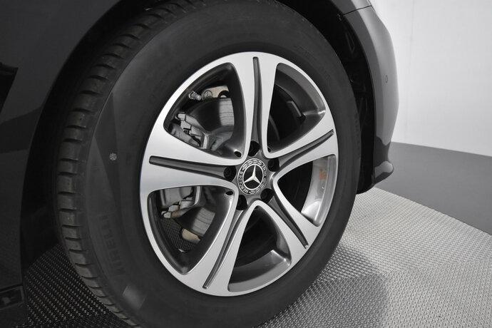 Kuva 16/16, Mercedes-Benz E 200 d A Edition One Nahkaverhoilu, Widescreen Cockpit, Sedan, Automaatti, Diesel, YKM-205