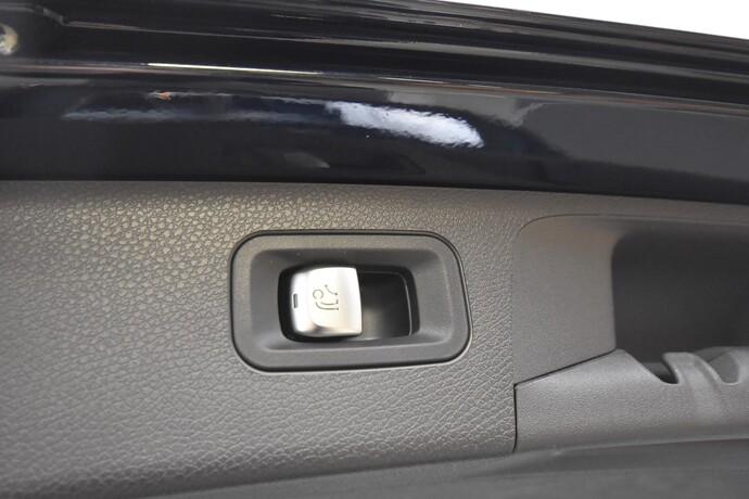 Kuva 24/24, Mercedes-Benz E 220 d 4Matic A All-Terrain, Farmari, Automaatti, Diesel, Neliveto, JP-7946