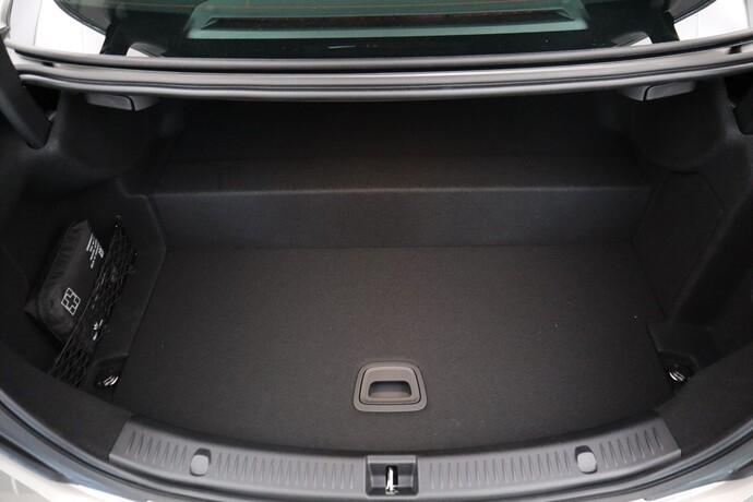 Kuva 14/14, Mercedes-Benz E 300 e 4Matic A Business Avantgarde **UUSI AUTO, NOPEAAN TOIMITUKSEEN**, Sedan, Automaatti, Bensiini, Plug-in-hybridi, Neliveto, CPJ-606