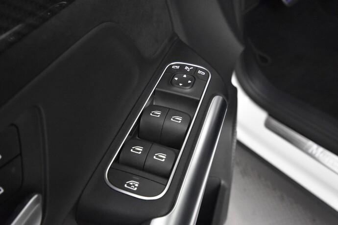 Kuva 22/27, Mercedes-Benz GLA 250 4Matic A Business ** 2 vuoden takuu **, Maastoauto, Automaatti, Bensiini, Neliveto, JJ-3092