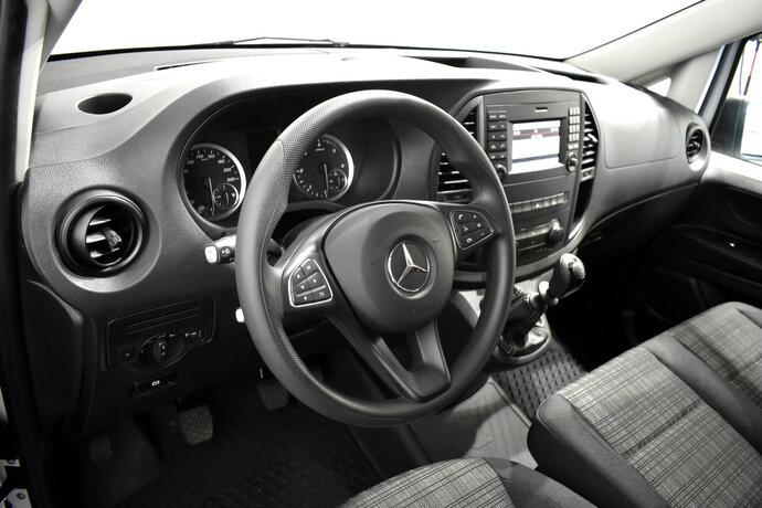 Kuva 8/11, Mercedes-Benz VITO Mercedes-Benz VITO 110CDI FWD-3,05/34K pitkä A3 Worker, Pakettiauto, Manuaali, Diesel, ZNA-258